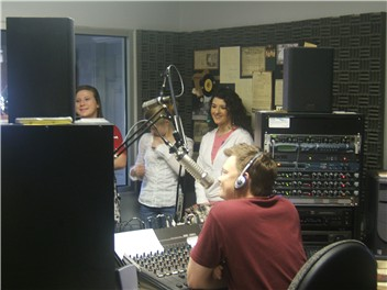 THS Choir in the studio 2009